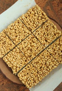Anything that's no-bake, kid-friendly and only requires three ingredients has our names written all over it. Like these three-ingredient peanut butter and honey cereal bars.