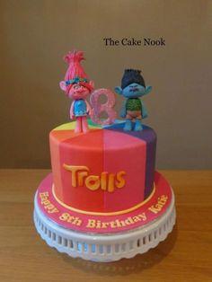 by Zoe Robinson (Trolls Birthday Cake) Trolls Birthday Party, Troll Party, Tea Party Birthday, 4th Birthday, Birthday Ideas, Bolo Trolls, Trolls Cakes, Zoes Fancy Cakes, Fondant