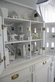 Awesome dollhouse from http://hagbacken.blogspot.com/p/dockskapet.html