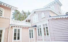 Hotelli Punkaharju Porte Cochere, Pink Houses, Cafe Restaurant, Sunroom, Pavilion, Finland, Terrace, Multi Story Building, Villa