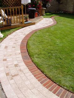 New Brick Patio Ideas for a Beautiful Backyard Design 2020 Part 4 ; brick patio with fire pit; brick patio ideas on a budget; Outdoor Patio Pavers, Paver Walkway, Diy Paver, Driveway Pavers, Slate Patio, Concrete Walkway, Backyard Patio, Landscape Pavers, Landscape Borders
