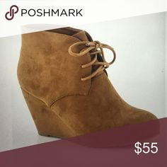 "• HP 9/4🎉 🍂 the perfect fall camel bootie • the perfect fall bootie: modeling a size 7.5 {runs a half size big} normally an 8 but I like the fit of the 7.5 better • no trades • heel is approx 3"" Shoes Ankle Boots & Booties"