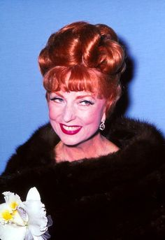 Agnes Moorehead fan : Photo Agnes Moorehead, Endora Bewitched, Bewitched Tv Show, Golden Age Of Hollywood, Classic Hollywood, Old Hollywood, 60s Tv Shows, Bewitched Elizabeth Montgomery, Star Actress