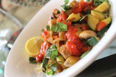 The best spaghetti squash recipe ever     calories, carbs, fat, protein  Per Serving: 136 22 3 6