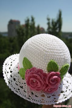Crochet Cloche Hats The Best Free Collection Crochet Cloche Hat - lots of free patterns in our post - the whoot Crochet Summer Hats, Crochet Cap, Crochet Baby Hats, Crochet Beanie, Crochet Gifts, Free Crochet, Knitted Hats, Sombrero A Crochet, Crochet Accessories