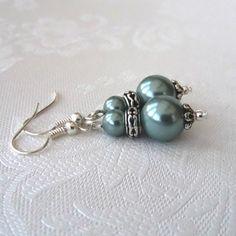 SALE: Handmade green shell pearl earrings £2.50