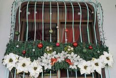 Our Christmas Window -big. Theme was green and red.