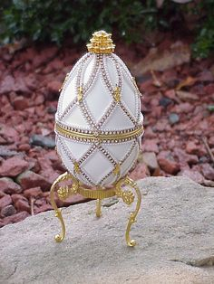 Decorated REAL Goose Egg Jewelry/Keepsake/Trinket Music Gift Box Swarovski New