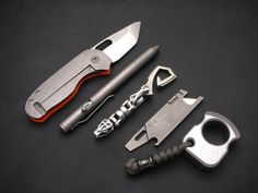 Everything EDC in the UK. Submit your pictures and videos of your own EDC items Everyday Cutlery, Everyday Carry Items, Edc Tools, Survival Tools, Urban Edc, Edc Gadgets, Cool Gear, Edc Gear, Knives And Swords