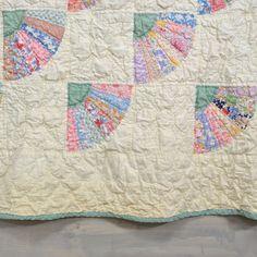 Vintage Quilt Feedsack Fabric Fan Design Green by KOLORIZE