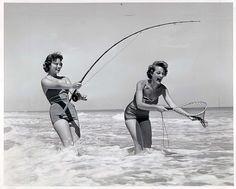 Fishing Umbrella - Choosing The Right Bass Fishing Equipment Fishing Girls, Fishing Life, Sea Fishing, Gone Fishing, Carp Fishing, Fishing Rods, Fishing Tackle, Bikini Fishing, Ava Gardner