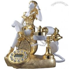 Vintage Phones, Vintage Telephone, Et Phone Home, Antique Phone, Ring My Bell, Retro Phone, Call Me Maybe, Gold Girl, Old Phone