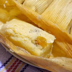 Canary Tamales - Learn to prepare Canarian tamales with this rich and easy recipe. Canarian tamales are small, pale - Sweet Tamales, Salvador Food, Mexican Tamales, Carribean Food, Tamale Recipe, Tamale Pie, Latin American Food, Mexican Dinner Recipes, Pork Dishes