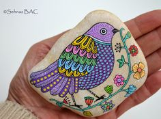 Hand Painted Stone Bird by ISassiDellAdriatico on Etsy