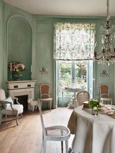 French Romance Through A Poetic Setting Of Antiques And Shabby Chic Furniture - Decoholic Interior Decorating, Interior Design, French Country Cottage, French Decor, Shabby Chic Homes, Beautiful Interiors, French Interiors, Shabby Chic Furniture, Sweet Home
