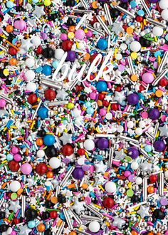GLAM ROCKTwinkle Sprinkle Medley is a premium, one of a kind mix of some of the spectacularand most glam-rock-inspired sprinkles in the universe: vibrant rain