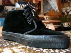 vintage_vans_style__49_chukka_boot_black_velvet_black_sole_made_in_usa_1990_s_ni90b_w8.5__8_.JPG