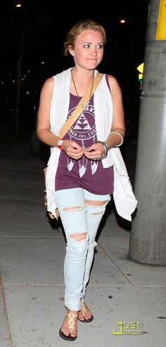 emily osment casual outfits - Buscar con Google