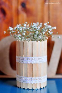 DIY: Uma ideia bem fofinha para aproveitar os palitinhos de picolé e organizar as coisas!