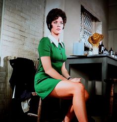 Linda Thorson as Tara King in show the Avengers The Avengers, Avengers Images, Canadian Actresses, British Actors, Actors & Actresses, Emma Peel, Linda Thorson, Uk Tv Shows, Tara King