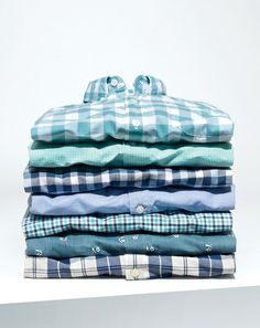 Our famous J.Crew men's Secret Wash shirts. The wash might still be a mystery, but it's no secret that our extra-soft shirts are perfect for everything from Wednesdays at work to a Saturday wedding. Casual Shirts For Men, Men Casual, Mens Facial, Warm Weather Outfits, J Crew Men, Well Dressed Men, Personalized T Shirts, Sport Casual, Casual Elegance