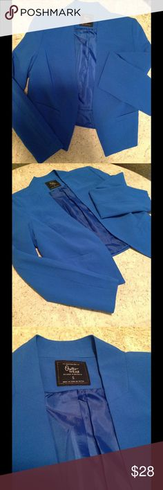 Striking blue blazer Light weight bright blue blazer I bought in California. Shoulder pads, but not too aggressive. Slightly cropped in the back. Designed in Australia. Perfect work or a night out! Cotton On Jackets & Coats Blazers