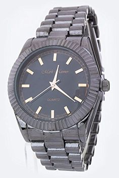 feb83a36ba5 Amazon.com  Chic Chelsea Luxury Notched Bezel Designed Style Watch (Gold)   Chic Chelsea  Jewelry. Affordable WatchesTrendy ...
