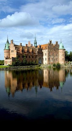 10 Most Beautiful Castles in Europe - Travel Mon Amour Beautiful Castles, Beautiful Buildings, Beautiful Places, Places To Travel, Places To See, Places Around The World, Around The Worlds, Denmark Travel, Visit Denmark