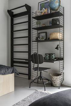 Living Room Scandinavian String System - The home of ten smart ideas. Decor, Home, Home Office Design, Home Office Decor, Shelves, House Colors, Shelving, Home Decor Color, Room