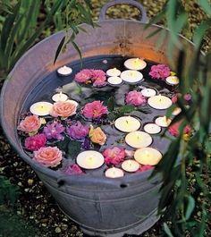 Lindas VELAS aromáticas – Beutiful aromatic CANDLES De aromas intensos, que nos enchem os pulmões e nos fazem sorrir, enquanto inspiram...