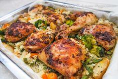 Szybki i baaardzo smaczny obiad, który robi się praktycznie sam. Kilka ruchów rękami, kilka minut przygotowań, blaszka ląduj... Cooking Recipes, Healthy Recipes, Polish Recipes, Tandoori Chicken, Poultry, Food And Drink, Menu, Tasty, Baking