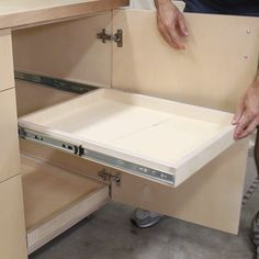 How to Install Drawers or Pull Out Trays in a Cabinet Need better storage in your garage or shop? Of course you do! Learn how to install drawers and pull out trays in a base cabinet for better garage organization. This is also the perfect shop organizati Shop Cabinets, Base Cabinets, Diy Cabinets, Diy Garage Storage Cabinets, How To Make Kitchen Cabinets, Plywood Cabinets, Woodworking Projects Diy, Diy Wood Projects, Woodworking Plans