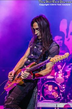 Nuno Bettencourt : Extreme - 25th Anniversary Pornograffitti tour