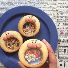 ¨̮♡︎ おはようございます☀︎ ⁑ バレンタイン試作品① #ガチャガチャクッキー 振ると音が鳴るよ♪ ⁑ 飴を作るのがむずい ⁑ 本番は違うキャラにする予定₍˄·͈༝·͈˄₎◞︎ ̑̑ෆ⃛ 予想はつくよね?笑 ⁑ ⁑ あ、動画載せます(☽︎ ̍̑⚈͜︎ ̍̑☾︎) #手作りおやつ#簡単おやつ#スイーツ#クッキー#キャラフード#キャラクッキー#あーんクッキー#シャカシャカクッキー#ステンドグラスクッキー#アンパンマンクッキー#アンパンマン#おうちごはん#デリスタグラマー#クッキングラム#ママリ#バレンタイン#友チョコ#homemade #homemadesweets #sweets #homebaking #cookie #anpanman #food #delistagrammer #lin_stagrammer #delimia #locari_kitchen #