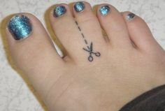 A case of syndactyly inspires the cutest tattoo ever.