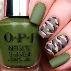 Easy Camo Nails – How To Do It In Simple Steps! Camo nails are quite easy and fun to play around with. We have gathered here the easiest to recreate and the trendiest ideas here. Nail Shapes Squoval, Nails Shape, Camouflage Nails, Camo Nail Art, Diy Camo Nails, Camo Acrylic Nails, Plaid Nail Art, Ring Finger Nails, Trendy Nail Art