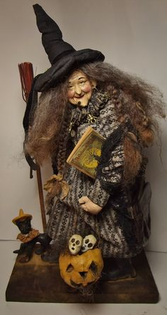 Handmade Witch by Kim Sweet~Kim's Klaus~Antique Vintage Halloween Halloween Doll, Vintage Halloween, Fall Halloween, Halloween Witches, Halloween Night, Witch Art, Halloween Pictures, Oui Oui, Art Graphique