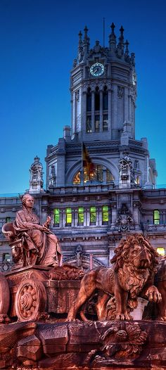 Cibeles Fountain, Madrid, Spain | A very famous fountain in Madrid—the goddess Cybele in her lion-drawn chariot, located in the roundabout outside of Madrid's Cultural Center | madridfoodtour.com