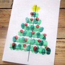 Pour Noël, les mots doux s'écrivent sur de jolies cartes personnalisées, alors ce joli sapin réalisé avec des empreintes de doigts fera l'affaire!!