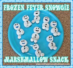 Snowgie Marshmallow Snack - So...That's How She Does It!