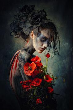 Dark Photography / Woman / Roses Flowers / Surreal / Creepy // ♥ More at: https://www.pinterest.com/lDarkWonderland/