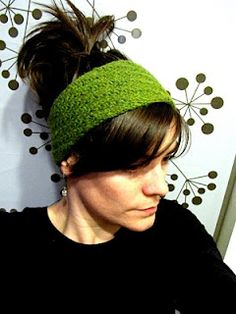 Free Knitted headband pattern, I am over halfway done with mine.  Great stashbuster! #knitting #pattern #stashbuster #headband