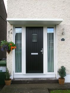 Looking for a new front door? Then get a stylish composite door. Call Chris 07912309210