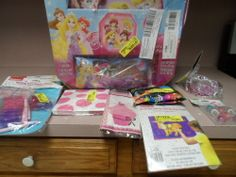 BIRTHDAY PARTY SUPPLIES AND DECORATIONS.MIXED. LARGE LOT. NEW
