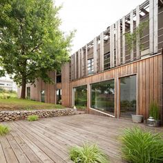 Maison VLB by Detroit Architectes. modern wood house