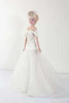 dolls barbies gowns.....12.33.6