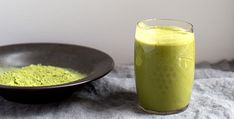 The Coconut-Matcha Smoothie That Beats Coffee