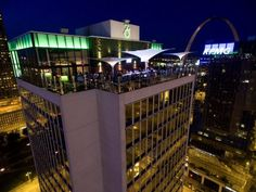 Three Sixty, St Louis, Missouri bar - Towering over the famous Busch Stadium, this stunning St. Louis bar is every game enthusiast's dream come true