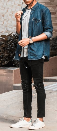 College Style Tips For Guys To Upgrade The Style - 7 Trendy Looks For Men To Ace The College Style Best Picture For college fashion fall outfits For Your Taste You are looking for something, and it is Mens College Fashion, Mens Fashion Blog, Fall Fashion Outfits, Men's Fashion, Spring Outfits, Fashion Tips, Fashion Trends, Preppy Casual, Casual Outfits