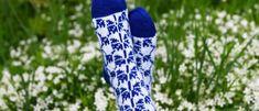 Villasukat koristellaan nyt kesän muistoilla – ruiskaunokeilla Kotiliesi.fi Socks, Fashion, Moda, Fashion Styles, Sock, Stockings, Fashion Illustrations, Ankle Socks, Hosiery